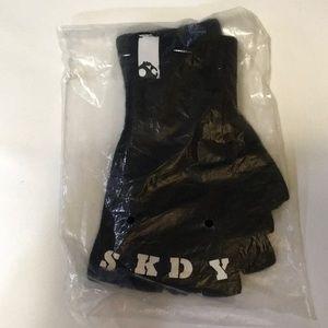 NEW Skullcandy Black Fingerless Gloves